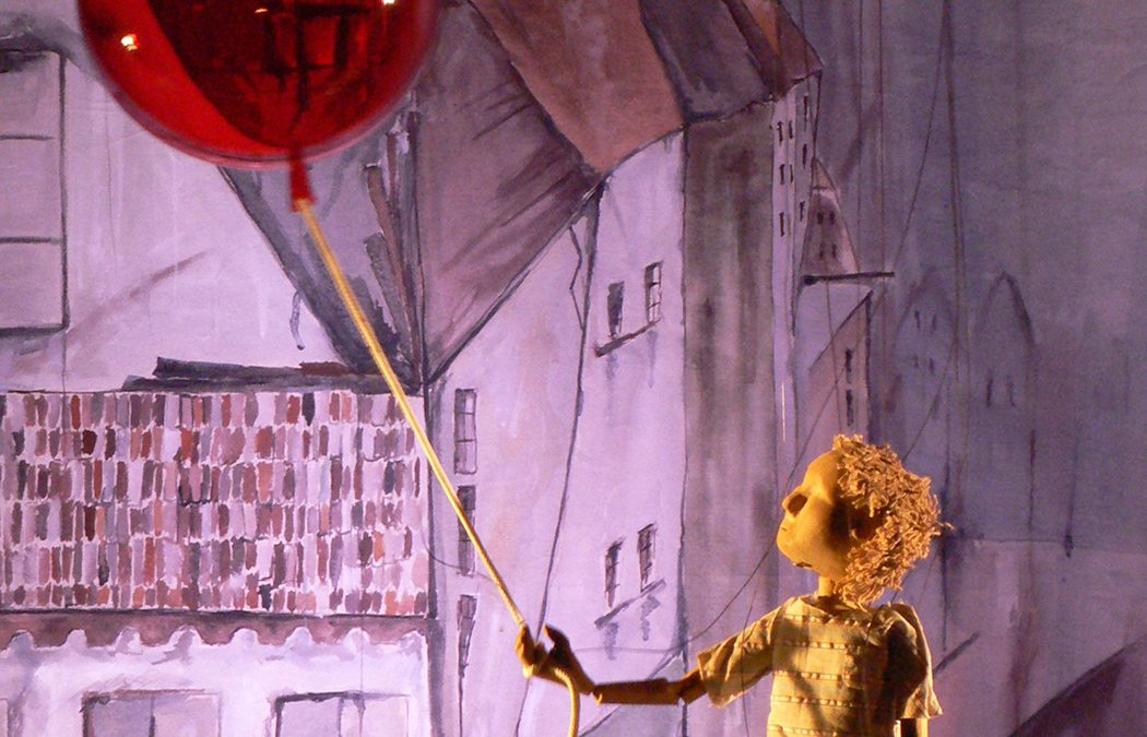 The Red Balloon by String Theatre
